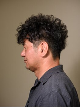 ヘアーサロン リーフ(Leaf)の写真/あなたのスタイルに似合わせたヘアスタイルを提案します!最初から最後まで同じ施術台で行えるのが魅力的◎