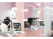 ホログラム ロッポンギ ヘアー(HOLOGRAM ROPPONGI HAIR)の雰囲気(全席iPad完備の最新サービス★きっとまた来たくなるサロン♪)