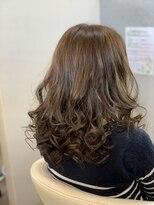 ふんわり巻き髪