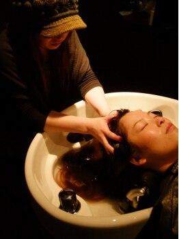グリーンフロウ(greenflow)の写真/シュワシュワ!濃炭酸SPA!!通常の約3000倍の濃度の炭酸で頭皮の汚れを除去!軽くてまとまる髪に―。
