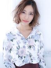 クオラバイガネイシャ(Cuora by ganesha)可愛いと柔らかを両立した無造作ミディアム☆