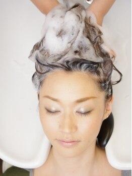 デジャヴュヘアデザイン(dejavu HairDesign)の写真/《武蔵小杉1分》溜まった疲れを忘れるくらい、お客様を癒すALLハンドの極上ヘッドスパ♪