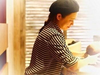 ラフィス ヘアー ココ 博多店(La fith hair coco)の写真/【ヨドバシカメラ徒歩1分】凄腕マッサ-ジで髪も心もリフレッシュ♪その心地よさの虜になること間違いなし☆