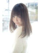アンティエバイプレッティ(Amitie by pretty)艶やかストレート×透明感アッシュ