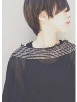 シー(she.)長め前髪のマッシュショート