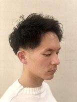 グレイスフル バーバープラチナム 六本木店(Graceful Barber platinum)【理容室】【メンズパーマ】ローフェード アップバング