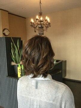 ヘア デザイン アウルム(hair design aurum)周りと差がつく透け感ミディ