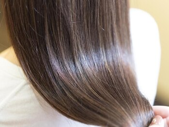 髪のエステ専門店 ヌーク(nuuk)の写真/くせ毛・うねりを知り尽くしたスタイリストが1人1人に合ったメニューをご提案♪お手入れも楽になる◎