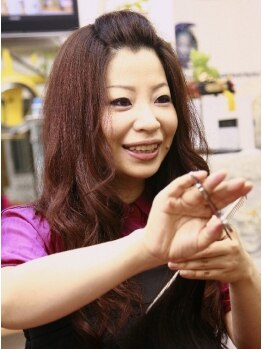 美源 ヘアー サロン(Hair Salon)の写真/国際コンテストでも受賞経験のある大絶賛の指先!女性オーナーの『台湾仕込みの本格派ヘッドスパ』が人気。