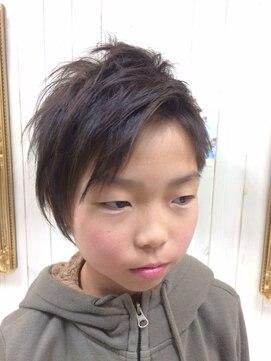 ヘアー クチュリエ ビーホワイト(hair couturier B:white)アクティブな魅力と爽やかさ抜群!