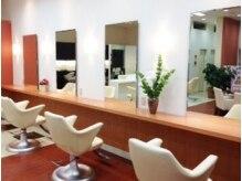 パザパ 南陽店(pa.za.pa)の雰囲気(間隔が広めのセット面。じっくりと施術が受けられる。)