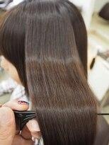 リリーズ ヘア(Lily's Hair)艶髪♪ナチュラルストレート