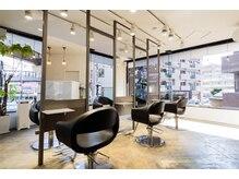 ビーナスアートヘア 上安店(Ve nus ART HAIR)の雰囲気(ラグジュアリーで広々としたくつろぎ空間です。)