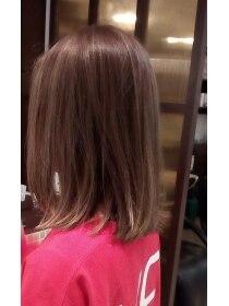 ローグヘアー 亀有店(Rogue HAIR)切りっぱなしフォギーベージュボブ。