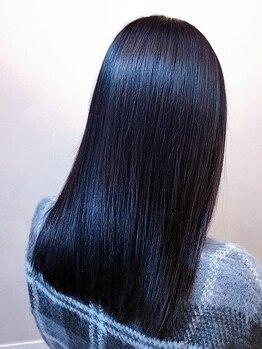 ピコセコンド(PICO SECOND)の写真/キラ髪縮毛では【磁化熱ヘアアイロン】で髪の内部をケアしながら潤うストレートヘア!