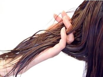 """レイコ美容室 スミカワ店の写真/""""オーガニックカラー/トリートメント/ヘッドスパ""""などお客様のニーズに合わせてダメージレスヘアを実現。"""