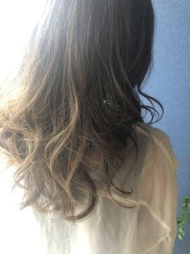 クブヘアー(kubu hair)《Kubu hair》大人のハイライト透明感カラー