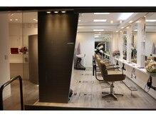 チアーズ フォー ヘアー 志木店(CHEERS for hair)の雰囲気(白を基調としてオープンなイメージで男女年齢問わない雰囲気です)