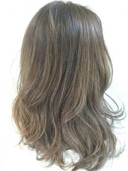 ヘアークリエイトヴァルール(Hair Create Valeur)の写真/トレンドの透明感のある無彩色カラーが人気◎ダメージが少なく、ナノスチームと前処理トリートメント付き♪