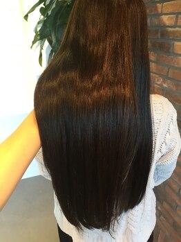 ツイーディア(Tweedia)の写真/【ビビリ毛改善☆】様々な髪質の方に対応可能!傷みにくい薬剤を使用で施術前よりもツヤのある仕上がりに♪