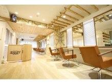 エイト新宿店(EIGHT shinjuku)の雰囲気(西海岸をイメージとした清潔感のある店内☆)