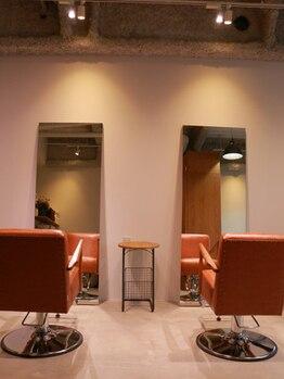 ココヘアー(cocohair)の写真/[茨木駅5分]ゆったりした音楽が流れる癒しの空間◇気さくなご夫婦で営んでいるプライベートサロン♪
