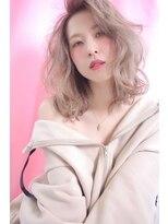 ミルクティーブロンドベージュ×ラフウェーブ stylist 細野 敬亮