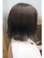 テトラ ヘアー(TETRA hair)インナーカラー 切りっぱなし外ハネボブ