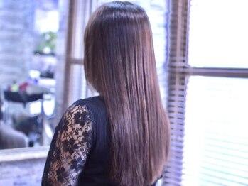 ヴィソップ(V.S.O.P)の写真/ずっとキレイでいたい大人女性には頭皮からのケアが必須★人気の安心を心掛けたカラーで染める度ツヤ髪に!!