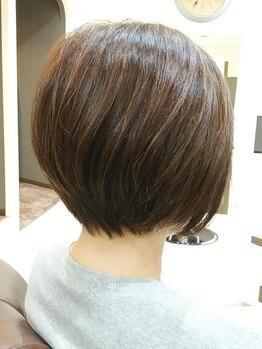 イースタイル 豊田大林店(e style)の写真/透明感とツヤのあるグレイカラーで、色持ちの良い上品大人カラーに。ダメージレスで髪と地肌に優しい♪