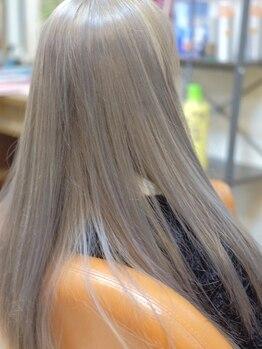 シェリー(Sherie)の写真/お洒落染めから白髪染めまでOK!オーナーオリジナルのカラー調合で、OnlyOneの周りと差がつく発色&質感に☆