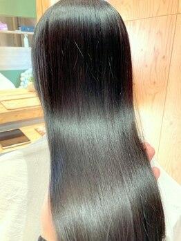 エラ(ERA)の写真/〈酸性ストレート取扱店〉髪をいたわりながらナチュラルなストレートヘアに☆ダメージが気になる方もぜひ◎