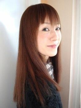 ソフィア 黒崎本店(Sophia)の写真/ミストで髪に水分と栄養を補給し、クセや広がりなどを抑えします!ツヤ感たっぷりのサラサラストレートに♪