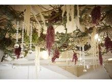 テラスコード 梅田(TERRACE CODE)の雰囲気(シャンプー台の天井は一面に花が敷き詰められています☆)