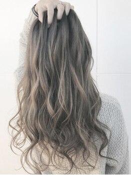 ブルームヘアー(BLOOM hair)の写真/【島】最旬の透明感・抜け感ヘアもお任せ!大人気のアディクシー/スロウカラーで、ワンランク上の髪色に★