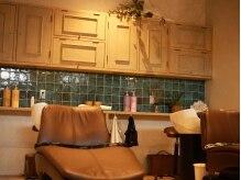 アンプール ヘアデザイン(ampour hair design)の雰囲気(落ち着いたシャンプー台でゆったりと過ごせる。)