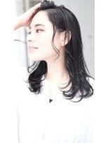 ルーシー(LUCY)黒髪×カールミディ