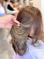 ヘアーメイク リボーン ムーヴ(hair make re:bbon move)インナーカラー×スモーキートパーズ