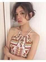 チクロヘアー(Ticro hair)【Ticro上山拓也】フェザーショート× 外国人ベージュ