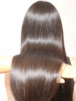 テットアテットノエル(TETE A TETE Noel)の写真/【髪質改善トリートメント】≪髪質改善トリートメント+カット¥8100≫さらりとなびく、芯からキレイな髪に