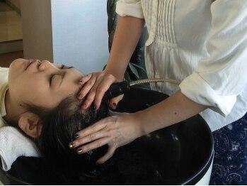 ウイッシュ 高松店(wish)の写真/アクアスパやエイジングスパetc…髪、頭皮の状態にあわせて最適なスパをご提案★健康な髪は頭皮環境がカギ!