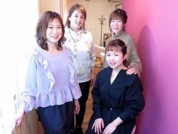 プトゥリ(Putri)の写真/「男性美容師さんは苦手…」と思うアナタにピッタリ★putriは、女性スタイリスト4名のみの癒しサロン♪