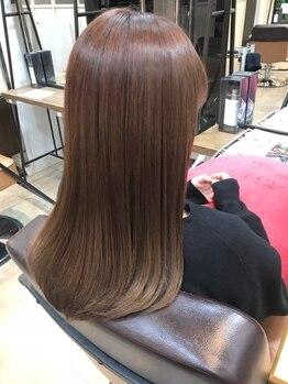 キキ(kiki by KENJE)の写真/ダメージレベルに合わせた薬剤で、艶のあるサラサラなストレートで美髪に☆【新百合ヶ丘】