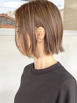 ヘアーワークスヴィクサス 諫早店(HAIR WORKS VIXUS)の写真/綺麗でい続けるために。女性らしい、上品な大人カラーをご提案。ワンランク上のグレイカラーは[VIXUS]で。