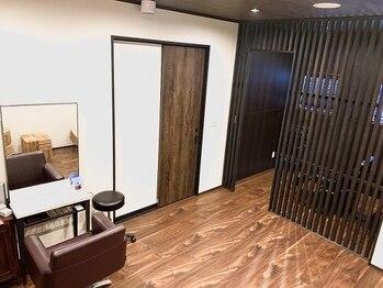 プラージュスパ(Plage Spa)の写真/個室でマンツーマン施術!あなただけの空間で癒しのお時間を♪木目調で温かみのあるサロン*