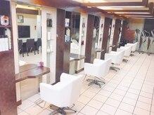ウィン プレミアムサロン(WIN Premium Salon)の雰囲気(落ち着いた雰囲気の店内。)