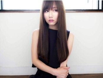ヒカリエ(Hikalie)の写真/ハイクオリティな仕上がりをロープライスで実現☆美髪を保つにはケアが重要!しっとり艶髪を手に入れて♪