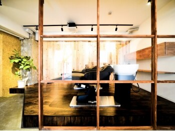 カーラヘアー(Cara-hair)の写真/【1周年♪/茨木市駅】技術/空間/接客全てにおいてハイクオリティな高さを追求。心地よい空間で特別な時間を