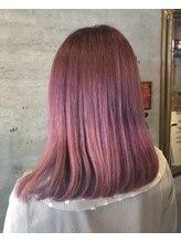 アティック ヘアーデザインアンドリラクゼーション(attic hair design&relaxation)ピンクヘアー
