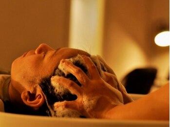 セブンベルベット(7 Velvet)の写真/ヘッドスパ専用ブース有!90%の人が眠ってしまう癒し空間が大人気♪美髪へと導くスパで地肌もスキンケア!!